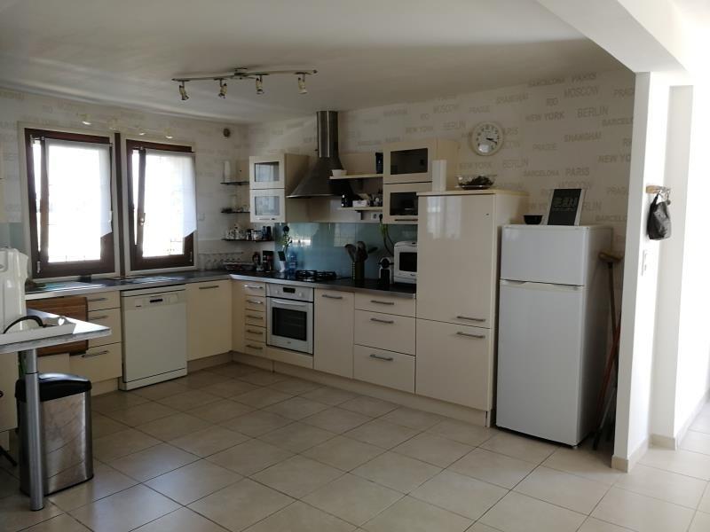 Sale house / villa Les hayes 206850€ - Picture 3
