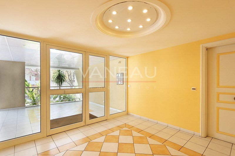 Vente de prestige appartement Juan-les-pins 165 360€ - Photo 8