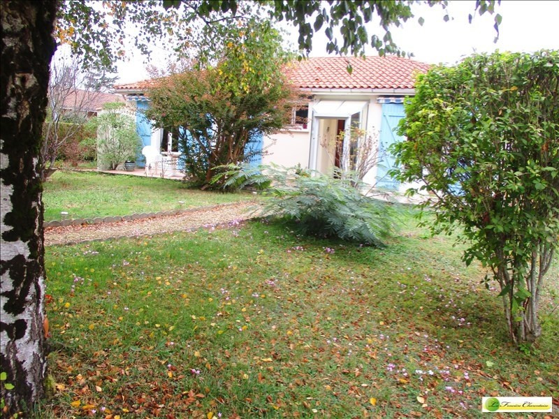 Sale house / villa La couronne 160 000€ - Picture 3