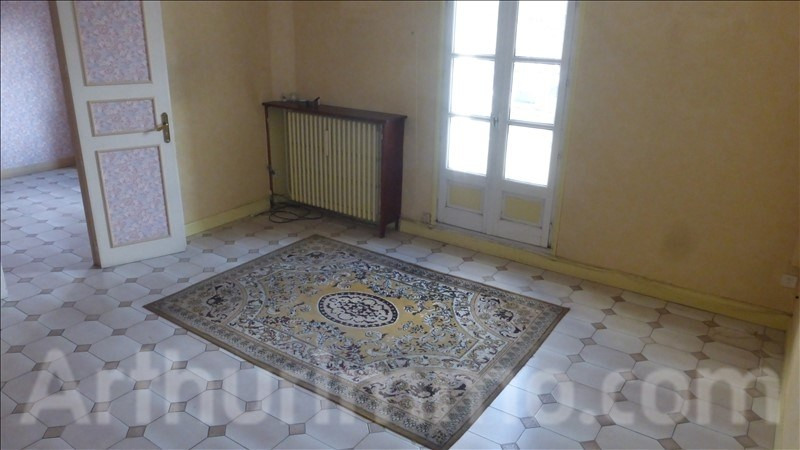 Sale apartment Lodeve 110 000€ - Picture 2