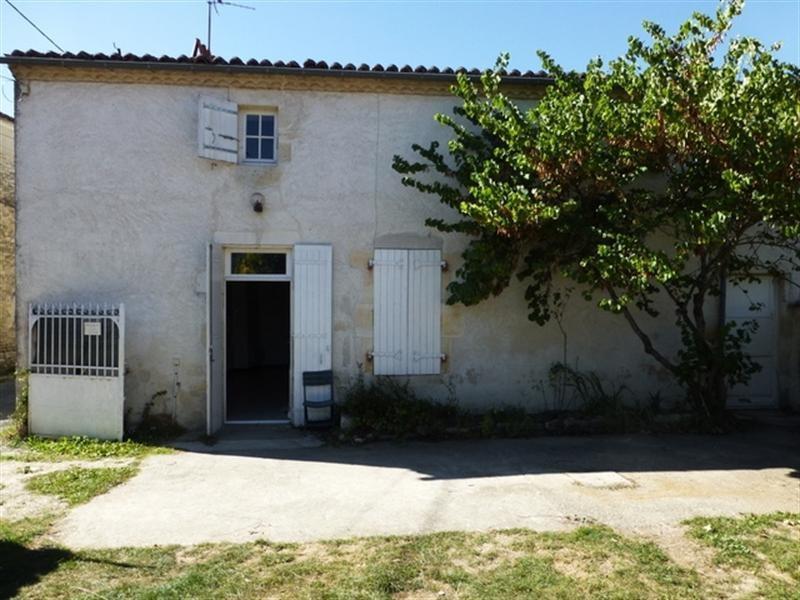Rental house / villa Aumagne 550€ CC - Picture 1
