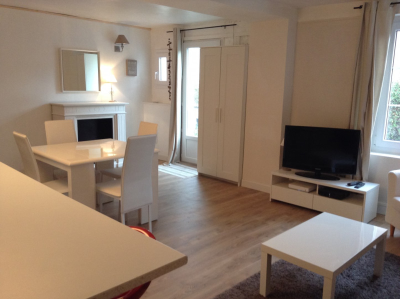 Location maison / villa Fontainebleau 1 300€ CC - Photo 4