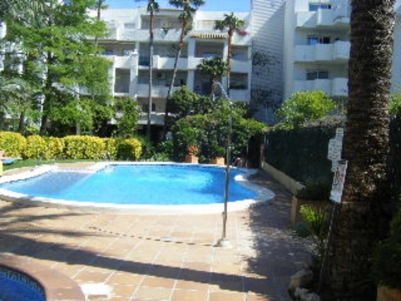 Location vacances appartement Roses santa-margarita 472€ - Photo 1