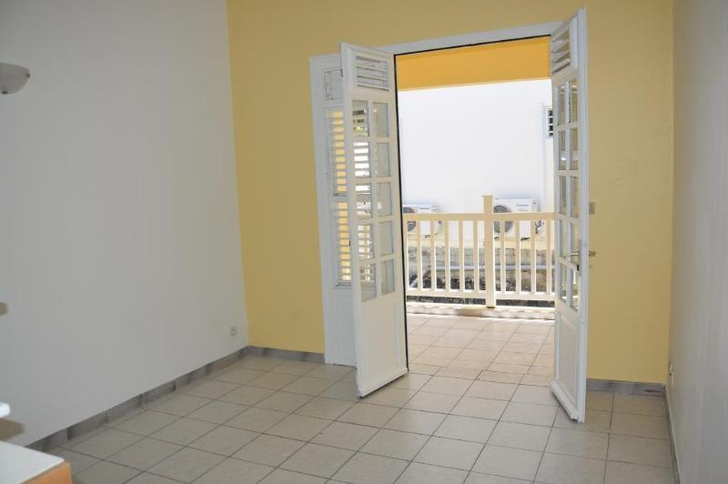 Sale apartment Le marin 69500€ - Picture 1