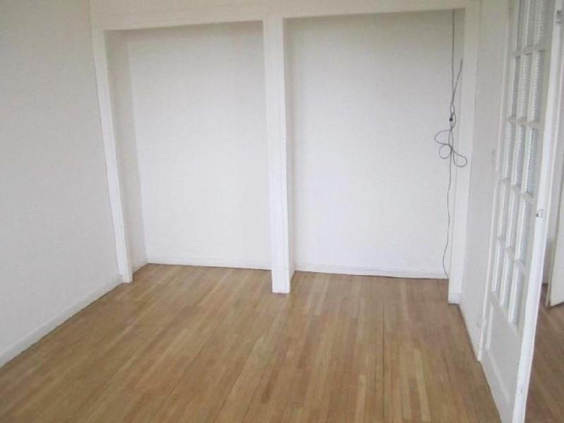 Rental apartment Lyon 8ème 805€ CC - Picture 4