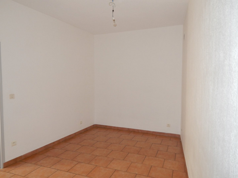 Location appartement Salernes 600€ CC - Photo 5