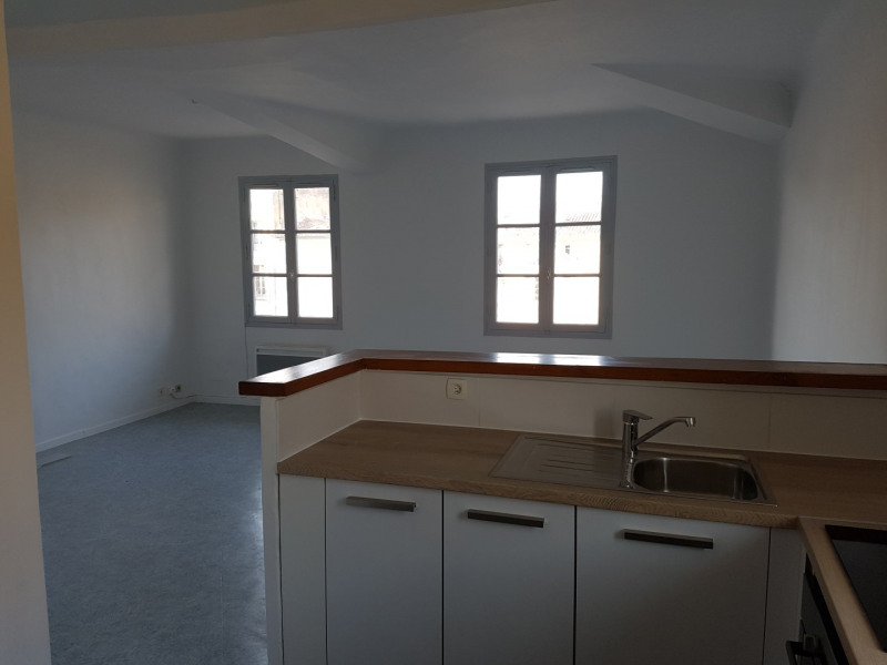 Location appartement Aix en provence 875€ CC - Photo 3