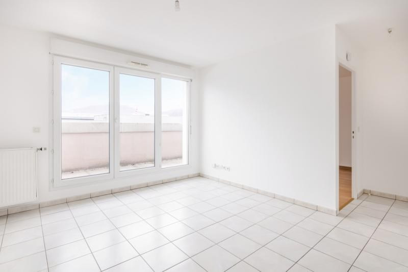 Vente appartement Echirolles 109 000€ - Photo 2