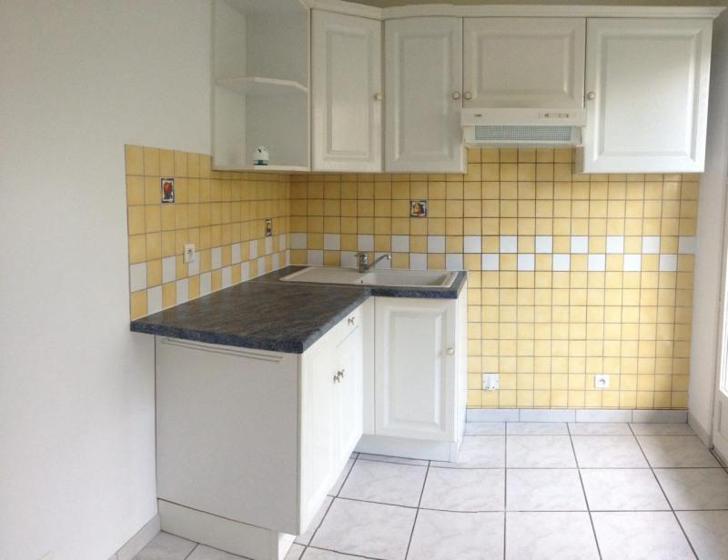 Rental apartment Longpont sur orge 700€ CC - Picture 2