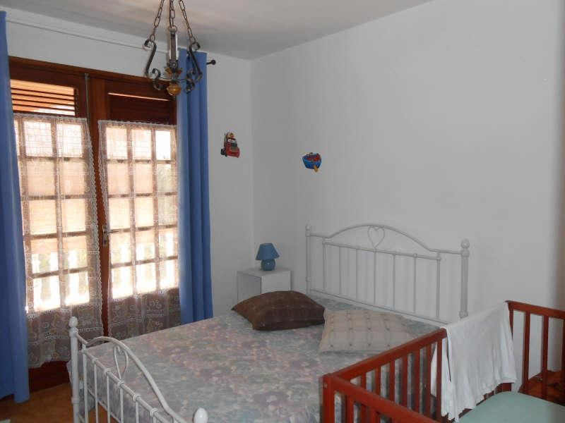 Investment property house / villa Vieux habitants 350 000€ - Picture 7