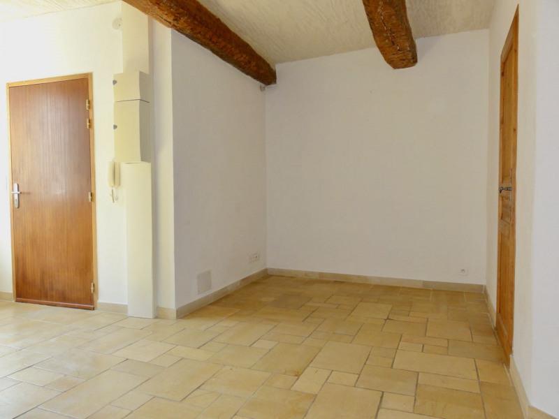 Rental apartment Le beausset 710€ CC - Picture 7