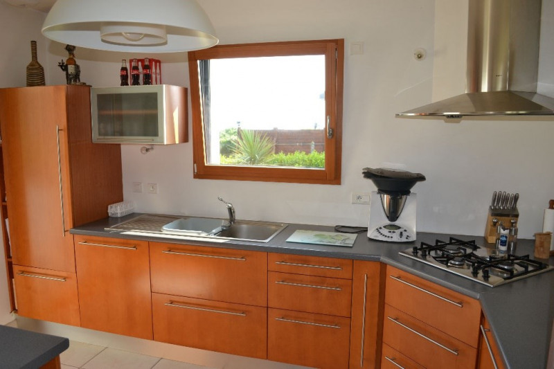 Sale house / villa Plovan 239 660€ - Picture 6