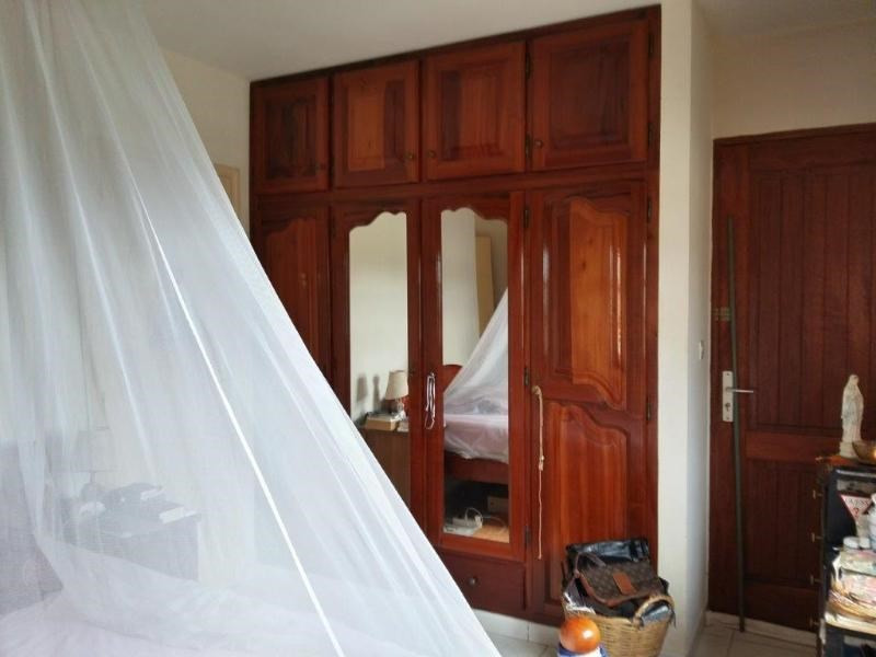 Sale house / villa Sainte anne 246 100€ - Picture 9
