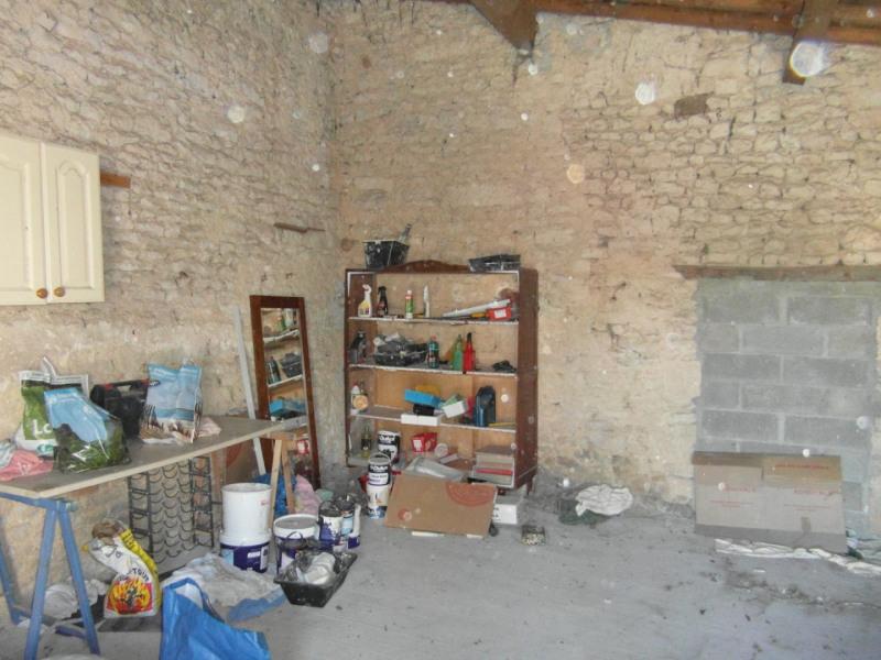 Sale house / villa Saint-jean-d'angély 82500€ - Picture 11