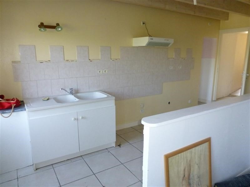 Sale house / villa St julien de l'escap 91 375€ - Picture 2