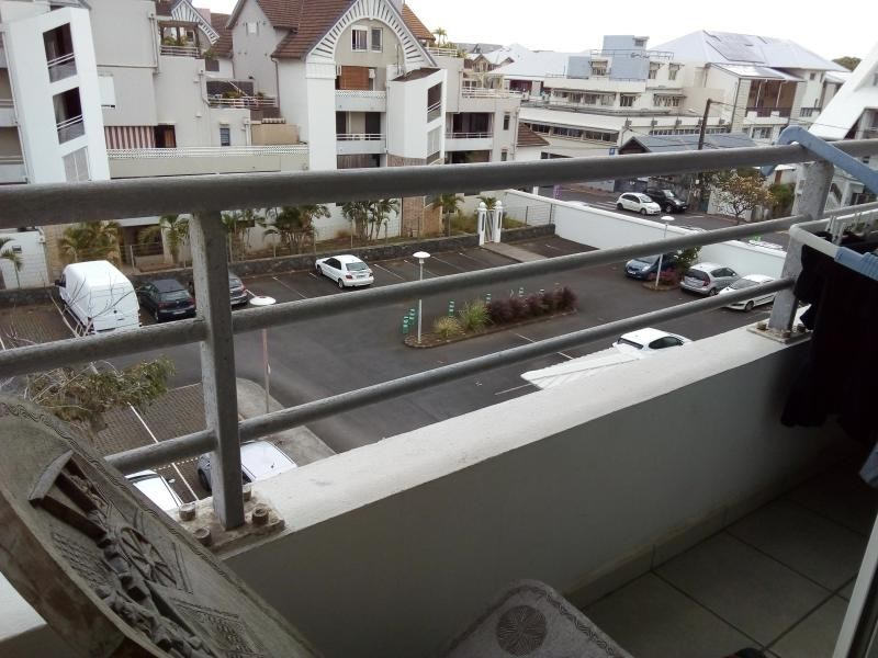 Sale apartment St pierre 105 000€ - Picture 1