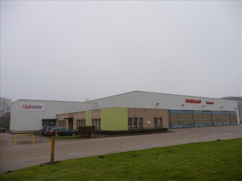 Location Local d'activités / Entrepôt Oissel 0