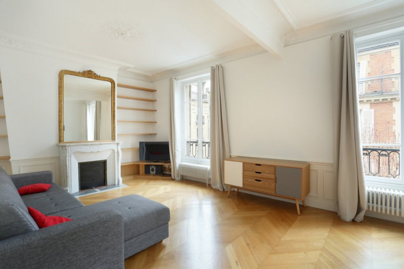 Aрендa квартирa Paris 7ème 3500€ CC - Фото 2