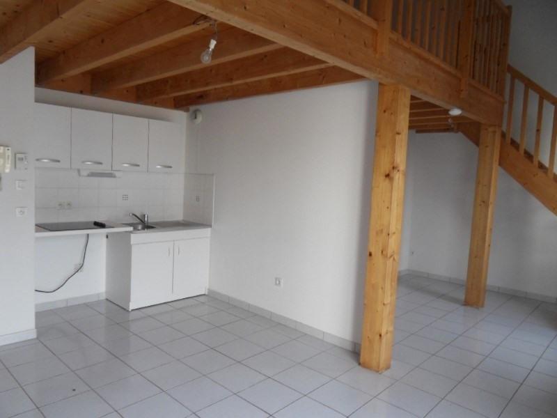 Rental apartment Cognac 422€ CC - Picture 1