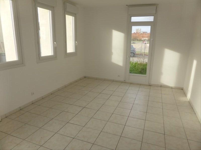 Rental apartment Auxerre 435€ CC - Picture 1