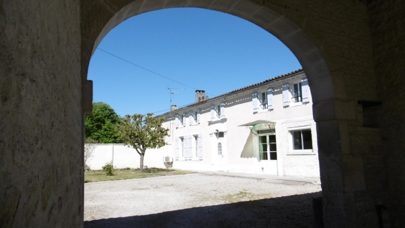 Vente maison / villa 7 kms de cognac 210 790€ - Photo 2