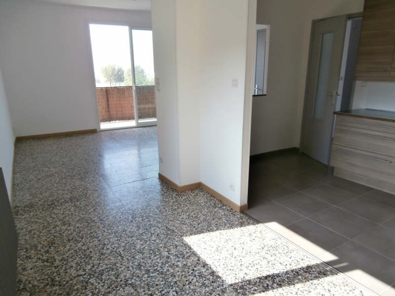 Alquiler  apartamento Salon 745€ CC - Fotografía 4