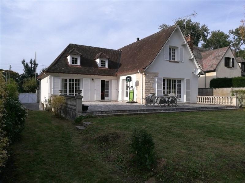 Sale house / villa Chartrettes 598000€ - Picture 1