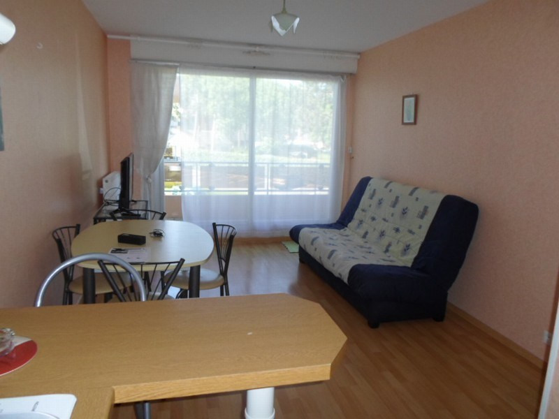 Location appartement Grandcamp maisy 472€ CC - Photo 1