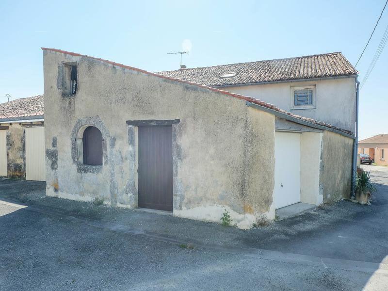 Sale house / villa Saint-jean-d'angély 82500€ - Picture 10