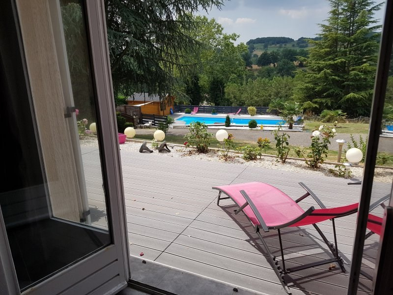 Sale house / villa St laurent de chamousset 299 000€ - Picture 1