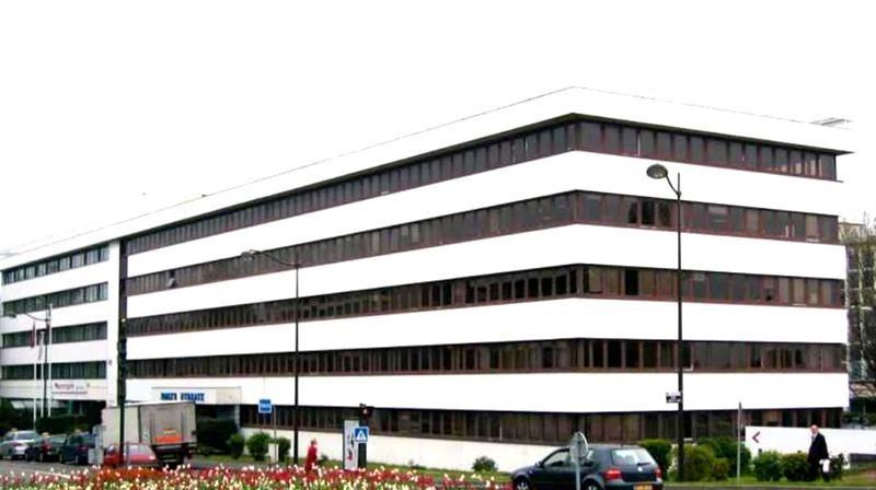Location Local d'activités / Entrepôt Le Chesnay 0
