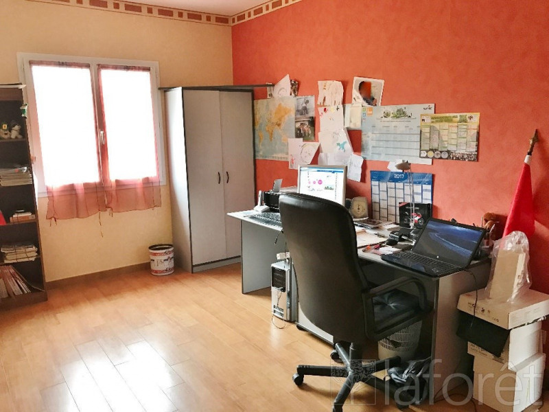 Sale house / villa Bourgoin jallieu 338000€ - Picture 7