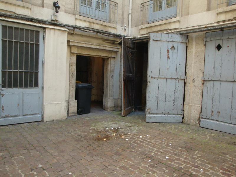 Location parking Lyon 2ème 170€ CC - Photo 2