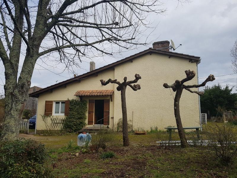 Sale house / villa St martin de coux 127200€ - Picture 1