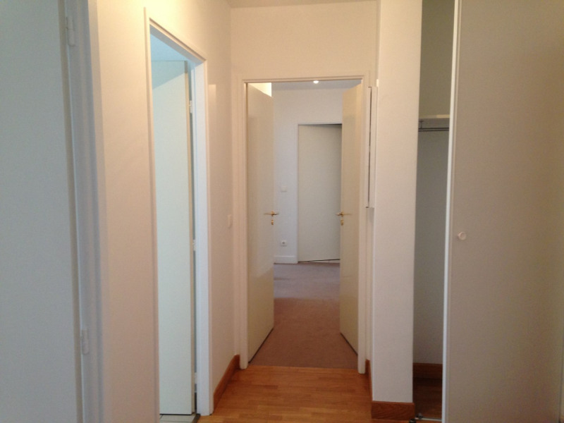 Rental apartment Paris 15ème 1950€ CC - Picture 2