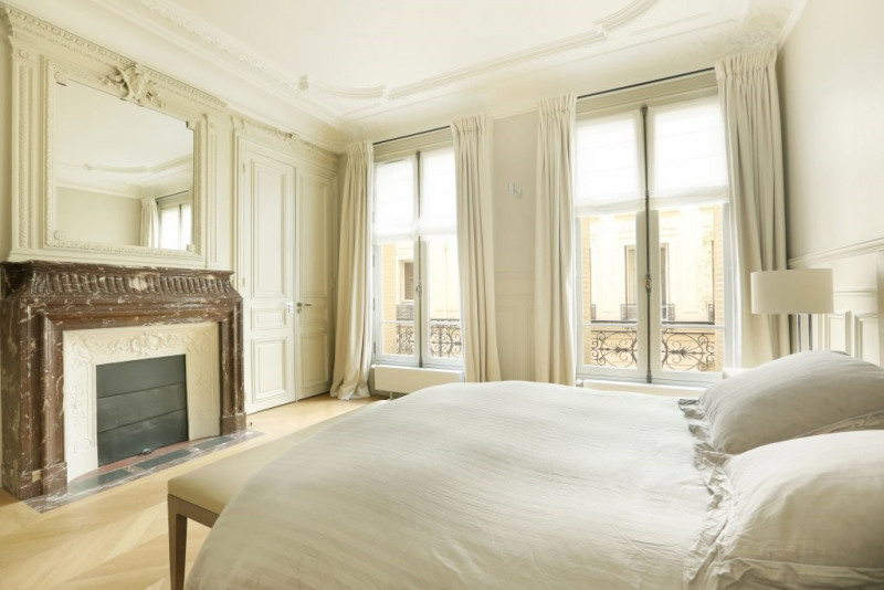 Location appartement Paris 7ème 9 800€ CC - Photo 7