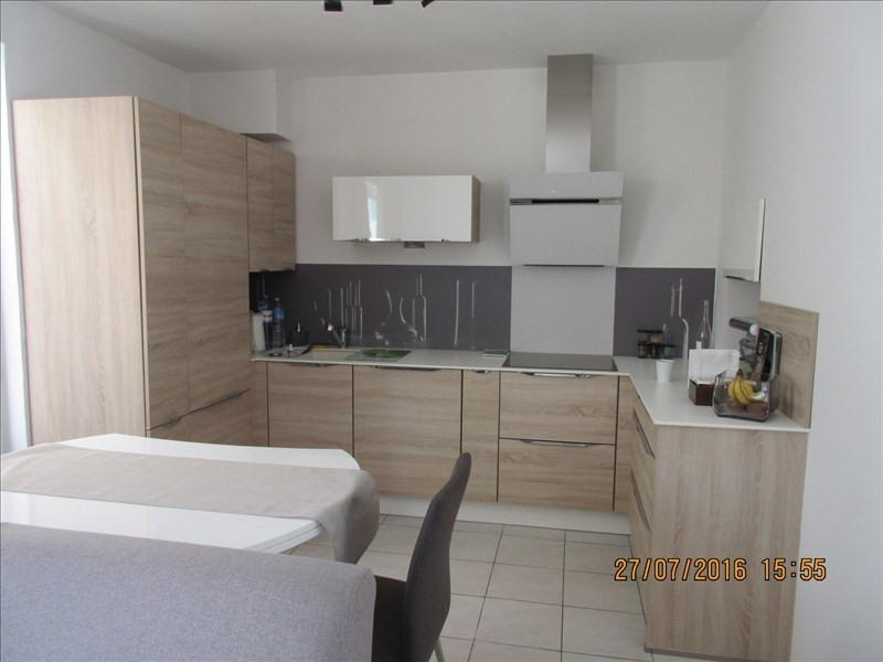 Sale apartment La rochelle 260000€ - Picture 4