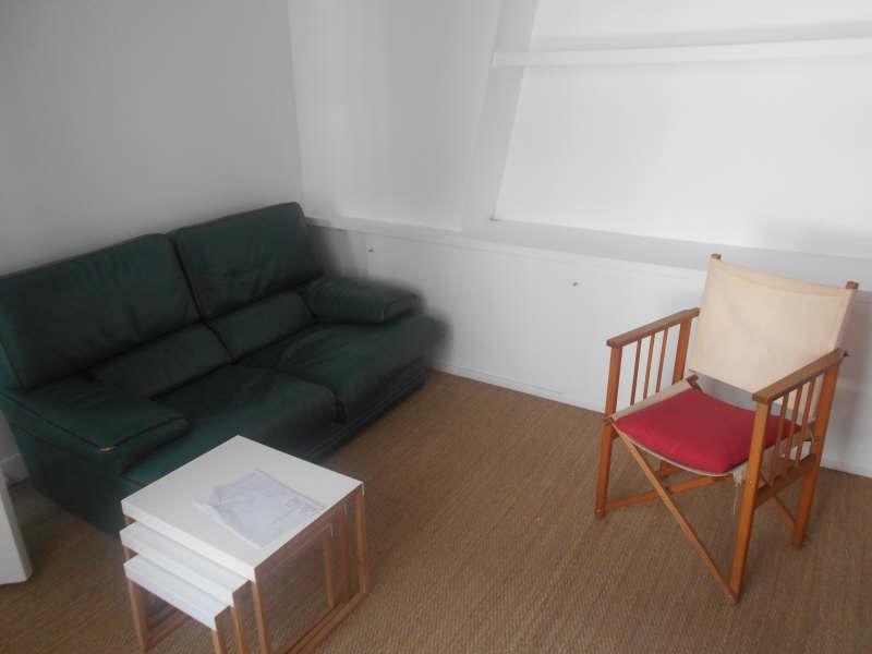 Location appartement Paris 7ème 1350€ CC - Photo 1