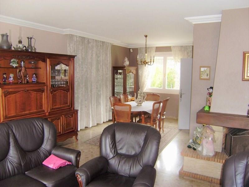 Deluxe sale house / villa Charbonnieres les bains 690000€ - Picture 3