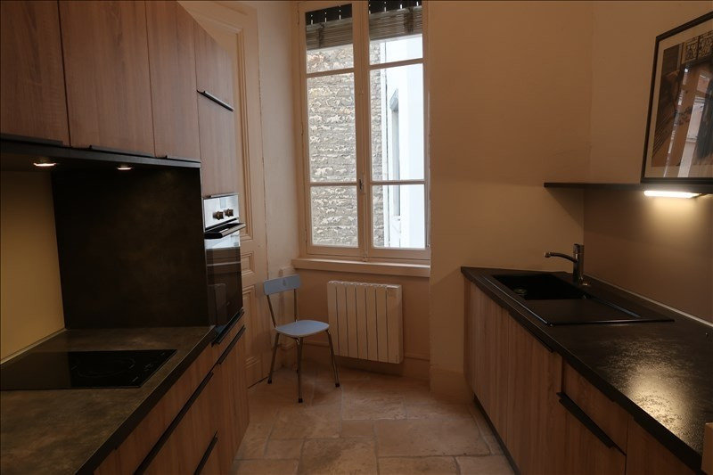 Rental apartment Lyon 6ème 1 290€ CC - Picture 2