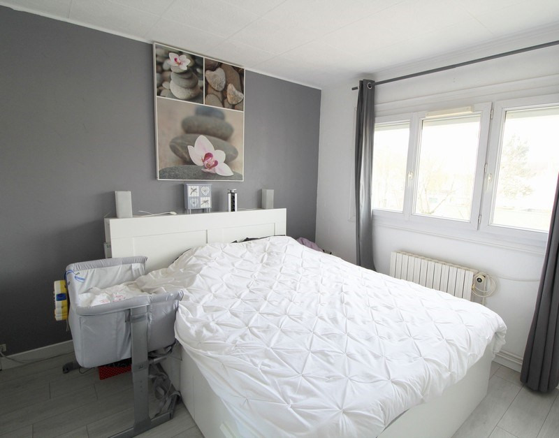 Sale house / villa Maurepas 267750€ - Picture 3
