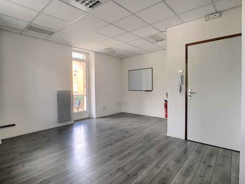 Affitto ufficio Embrun 480€ HT/HC - Fotografia 3
