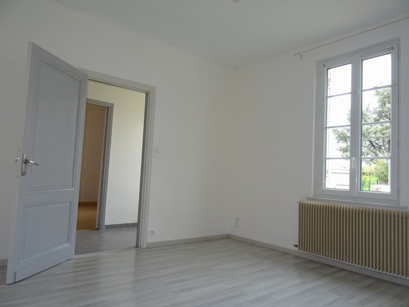 Location maison / villa Targon 700€ +CH - Photo 1