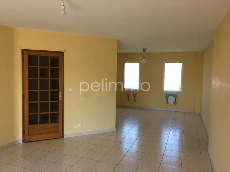 Rental apartment Salon de provence 1 100€ CC - Picture 1