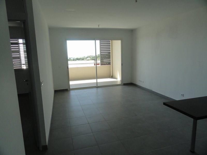 Location appartement St denis 598€ CC - Photo 2