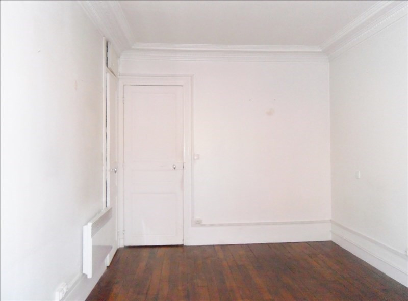 Rental apartment Paris 15ème 782€ CC - Picture 2