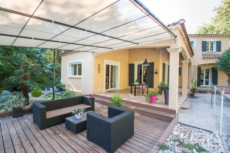 Deluxe sale house / villa Rochefort du gard 630000€ - Picture 1