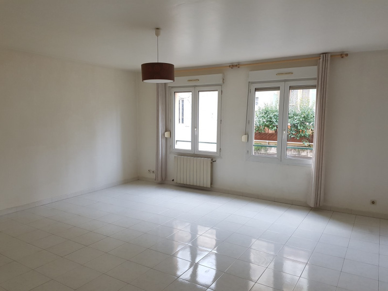 Location appartement Aix-en-provence 855€ CC - Photo 1