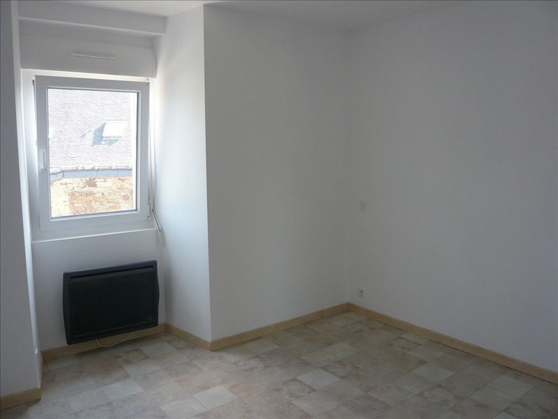 Rental apartment Pluvigner 380€ CC - Picture 2