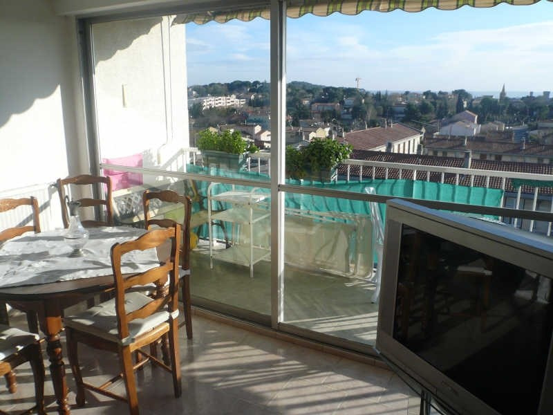 Sale apartment Salon de provence 200 000€ - Picture 2